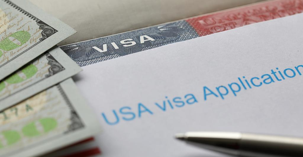 dinero, solicitud de visado para los Estados Unidos, bolígrafo, cambios en las tasas de inmigración de los Estados Unidos, Los mayores cambios en la lista de tarifas del USCIS